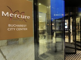 mercure-bucharest-city-center-entrance-01